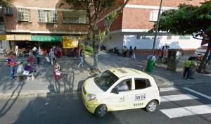 En esta calle peatonal, la 53 entre carreras 33 y 34, los motociclistas también suelen transitar. - Tomada de Google / GENTE DE CABECERA