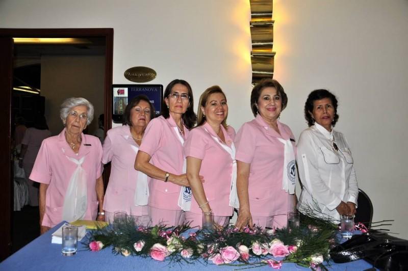 Isabel de Valdivieso, Carmen Cecilia Cárdenas Pitta, Gloria López de Ortiz, Claudia Sánchez, Nelly Upegui de Mejía y María Eugenia Vega. - Laura Herrera / GENTE DE CABECERA