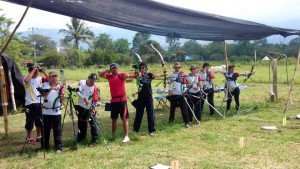 Ellos son parte del equipo que viajará a representar a Santander en el torneo nacional de tiro con arco que se realizará en el marco de los clasificatorios a los Juegos Nacionales 2015. - Suministrada / GENTE DE CABECERA