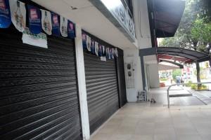 Algunos comerciantes afectados aseguraron que se pondrían al día con los papeles respectivos y que este fin de semana abrirían de nuevo al público