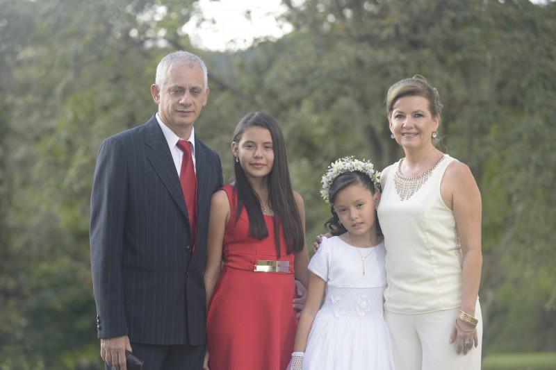 Darío Guerrero, Valentina Guerrero, Isabella Guerrero y Esperanza Rueda.