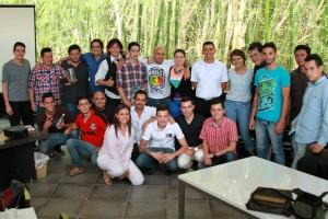 Este es el grupo de bartenders que se ha unido para realizar actividades sociales y al tiempo mostrar su talento profesional. - Archivo / GENTE DE CABECERA