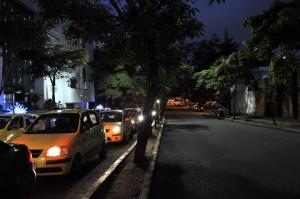 La avenida González Valencia no tiene iluminación navideña, sus vecinos reclaman. - Laura Herrera / GENTE DE CABECERA