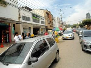 Un vecino expone las dificultades que tiene la carrera 45 y las posibles soluciones. - Tatiana Celis / GENTE DE CABECERA