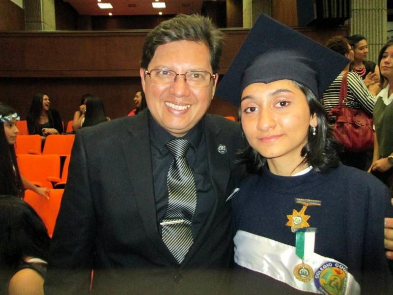 Wilson Contreras, rector del colegio, y Carina Arciniegas. - Suministrada / GENTE DE CABECERA