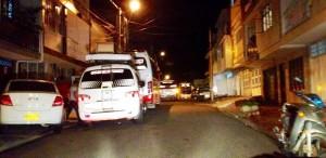 Buses y busetas estacionadas en vía pública - Suministrada / GENTE DE CABECERA