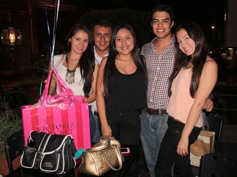 Gisel Castro, Iván Franco, Natalia Castillo, Camilo Gómez y Angie Castro. - Javier Gutiérrez / GENTE DE CABECERA