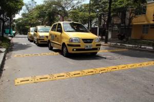 Algunos taxistas manifestaron, también, su descontento con este nuevo reductor de velocidad en la carrera 32 con calle 588, en el sector de Conucos.