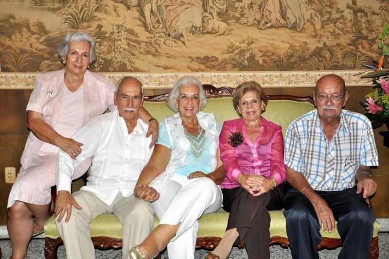 Carmencita de Lian, Joselín Barrera, Martha Barrera de Serrano, Inés Barrera Valderrama y Gabriel Barrera Gómez. - Fotos Laura Herrera  / GENTE DE CABECERA