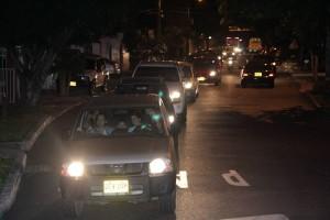 El cruce de La Floresta y la carretera antigua tuvo serias congestiones en la noche.