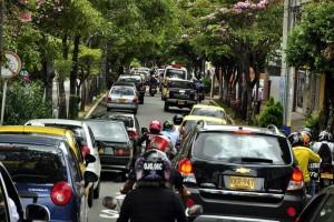 La avenida González Valencia también se vio con alto flujo vehicular esta semana.