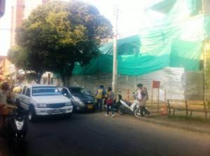 Un vecino de la carrera 35 con calle 53 pide que se respete el andén. - Suministrada / GENTE DE CABECERA