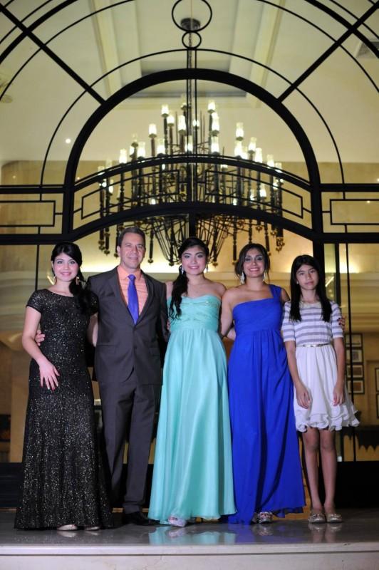 Manuela Manrique, Jesús Alberto Manrique, Laura Camila Manrique, Diana Constanza Lasso y María Paula Manrique. - Suministrada / GENTE DE CABECERA