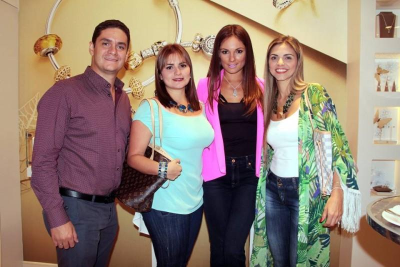 Sergio Moreno, Tatiana Jones, Silvia Becerra y María Fernanda Amaya - Javier Gutiérrez / GENTE DE CABECERA