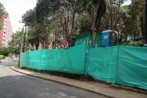 Al parque Los Sarrapios se le hizo un encerramiento para avanzar con las obras de remodelación - Javier Gutiérrez / GENTE DE CABECERA