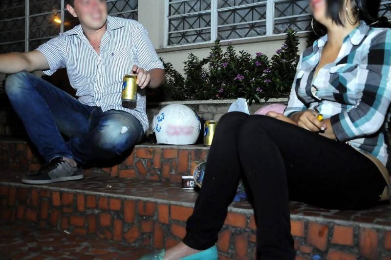 """""""No podrá consumirse o expenderse bebidas embriagantes en sitios públicos y parques de la ciudad"""", dice uno de los artículos del Manual de Policía, Convivencia y Cultura Ciudadana de Bucaramanga"""