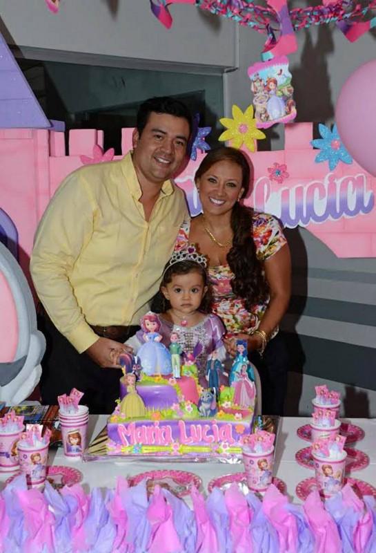 Javier Eduardo Villamil, María Lucía Villamil Prieto y Lisbeth Prieto Cruz. - Suministrada / GENTE DE CABECERA