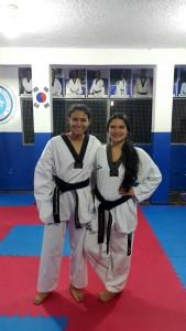 Ellas son las deportistas del colegio La Merced, ganadoras del III Open de Taekwondo Fuerzas Armadas de Colombia. - Suministrada / GENTE DE CABECERA