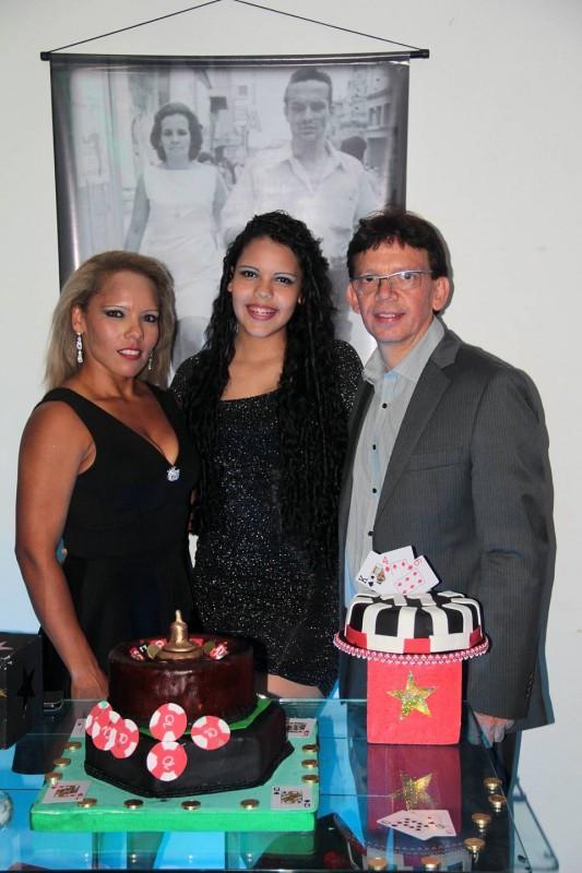 Gerardo Núñez Trujillo, Crisly Alejandra Núñez Estrada e Imera Luz Estrada. - Javier Gutiérrez / GENTE DE CABECERA