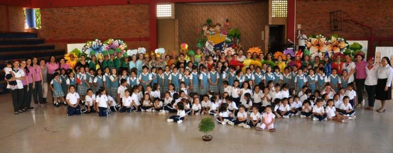 Estudiantes, docentes, padres de familia y demás asistentes disfrutaron de la jornada del Día del Niño, en La Merced