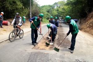 Han avanzado 15 días de trabajos de recuperación de la malla vía en la carretera a Pan de Azúcar. - Javier Gutiérrez / GENTE DE CABECERA