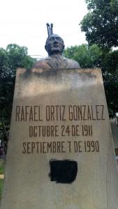 Busto de Rafael Ortiz González