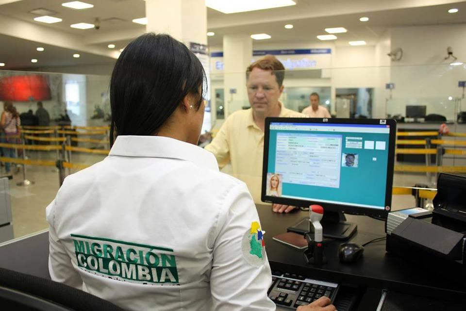 A renovar la c dula de extranjer a gente de cabecera for Oficinas de extranjeria