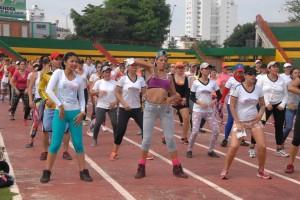 Las jornadas de bailoterapia en el estadio son gratuitas. - Jaime Del Río / GENTE DE CABECERA