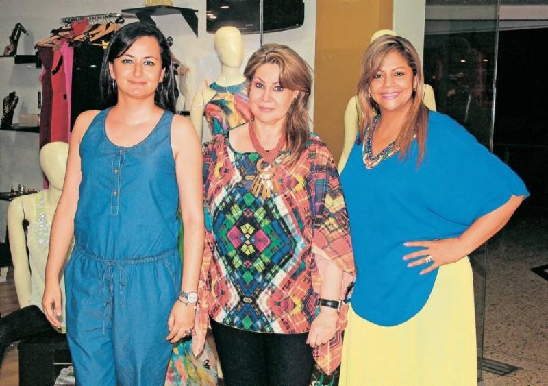 Alexandra Sierra, Rossie Acevedo y Elena de Guarín. - Javier Gutiérrez / GENTE DE CABECERA