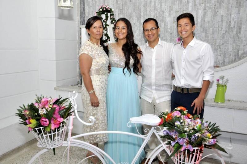 Sandra Liliana Díaz, Édgar Caballero, Isabella Caballero y Nicolás Caballero. - Laura Herrera / GENTE DE CABECERA