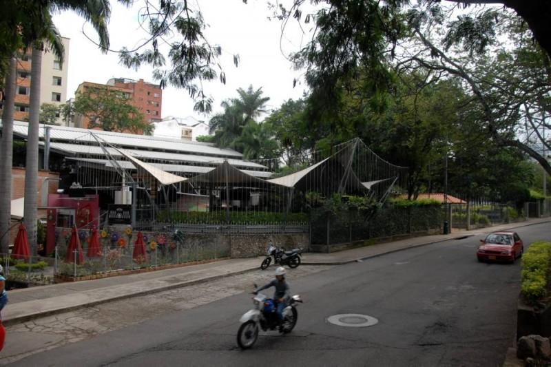 El funcionamiento de dos establecimientos comerciales dentro del parque es uno de los temas que preocupa a los líderes del barrio Mejoras Públicas.