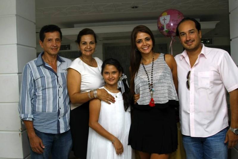 Hernando Muñoz, Amina Gutiérrez, Danna Valentina Muñoz, Melissa Muñoz y Ramiro Quintero. - César Flórez / GENTE DE CABECERA
