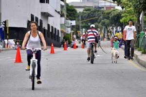 La carrera 27 es una de las vías acondicionadas para que los amantes de la bicicleta tengan un espacio para disfrutar su vehículo