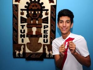 Pablo Fuermán, como buen peruano, apoyará desde su trabajo, en un restaurante en Cabecera, a su selección natal.