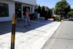 Vecinos se quejan por estas cadenas en los andenes. - Didier Niño / GENTE DE CABECERA