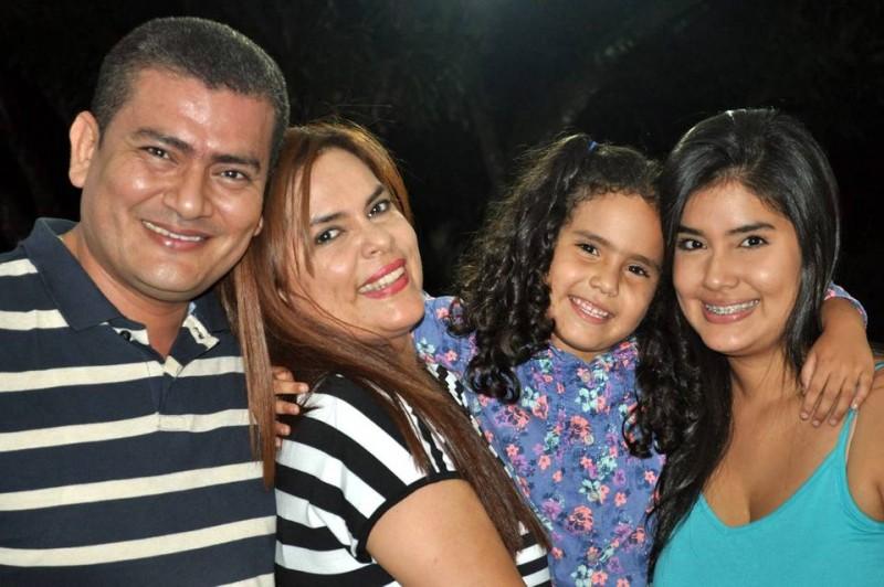 Carlos Augusto Hernández Sánchez, Solángel Torres Díaz, Alejandra Hernández Torres y Melissa Hernández Torres. - Suministrada / GENTE DE CABECERA