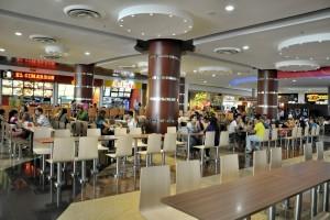 Los centros comerciales de la ciudad tienen sorpresas para sus clientes en agosto. - Archivo / GENTE DE CABECERA