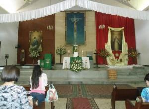 Así fue la fachada del altar de la parroquia San Pío durante muchos años.