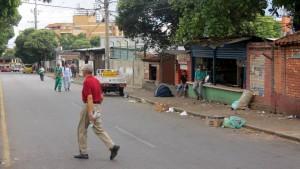 La empresa Empas recomienda a los comerciantes de la plaza de mercado Guarín tener mejor manejo de residuos, evitando arrojarlos a las tuberías. - Suministrada / GENTE DE CABECERA