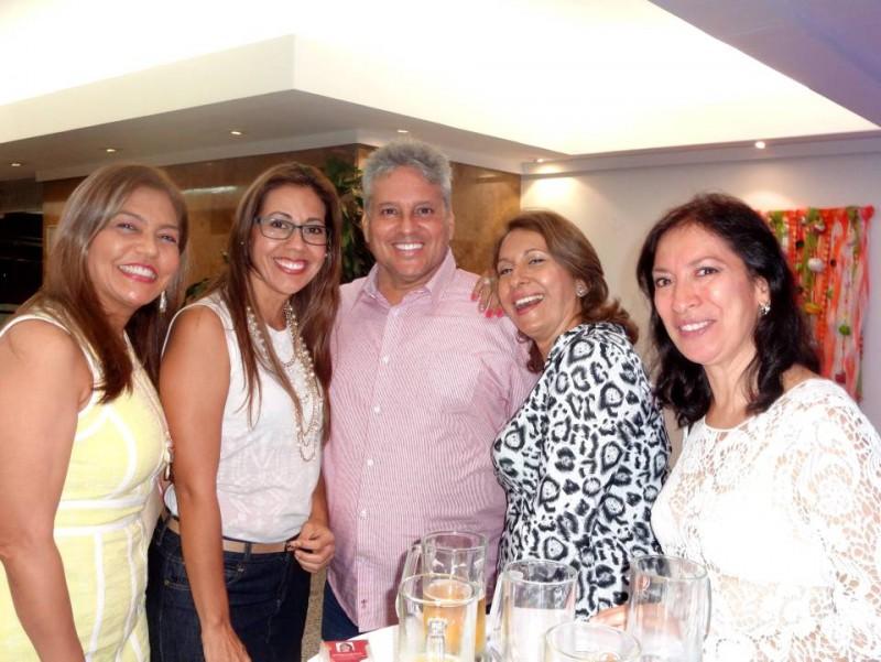 Yamile Mantilla Vergel, Mónika María Leal Abril, Fernando Cotes Acosta, Piedad Pinto y Narda Cristina Roa. - Suministrada / GENTE DE CABECERA