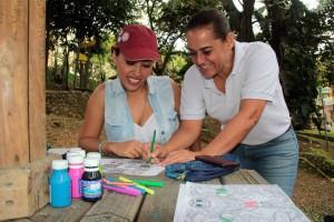 La docente Pilar Gómez dirigió la actividad. - Javier Gutiérrez / GENTE DE CABECERA