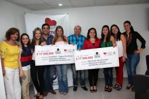 Momento de la entrega del dinero a las fundaciones favorecidas con las ganancias de Puro Sabor Social. - Suministrada / GENTE DE CABECERA