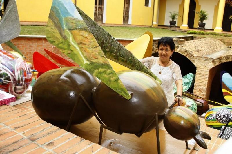 La artista Graciela Sanzón de Hernández hizo parte de la lista de 16 artistas ganadores del concurso 'Pintemos la homiga', promovido por el Instituto Munincipal de Cultura y Turismo, Imcut