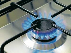 La llama de la estufa siempre debe ser de color azul