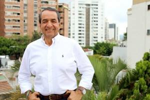 El candidato por el Partido Liberal para la Alcaldía de Bucaramanga es Carlos Arturo Ibáñez Muñoz