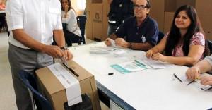 El colegio San Pedro Claver es uno de los sitios del sector donde hay más mesas de votación