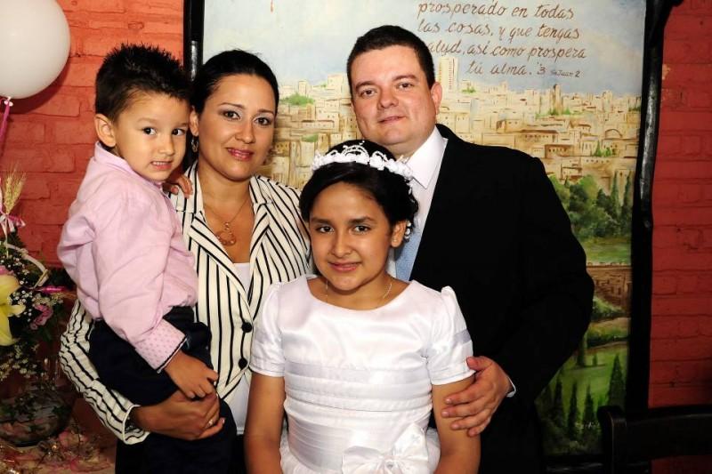 Alejandro Serrano, Patricia Macías, Javier Serrano y Silvana Serrano. - Didier Niño / GENTE DE CABECERA