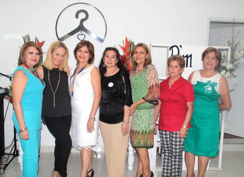 Ana Díaz, Nena Gal, Olga Mejía, Esperanza Abril, Sara Blanco, Nelly Hernández y Teresa Mejía. - Javier Gutiérrez / GENTE DE CABECERA