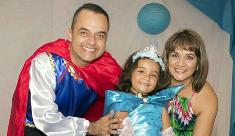 Juan Carlos Pimentel, Juana Lucía Pimentel Estupiñán y Nayive Alexandra Estupiñán. - Suministrada / GENTE DE CABECERA