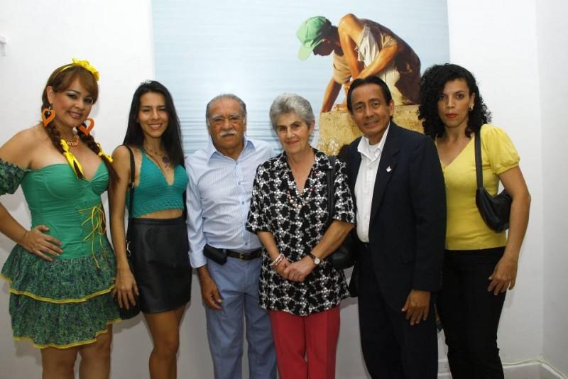 Zulay Velandia, Natalia López, Orlando Morales, Enriqueta Puentes, Víctor Hugo Parra Reyes y Angie Mur. - César Flórez / GENTE DE CABECERA